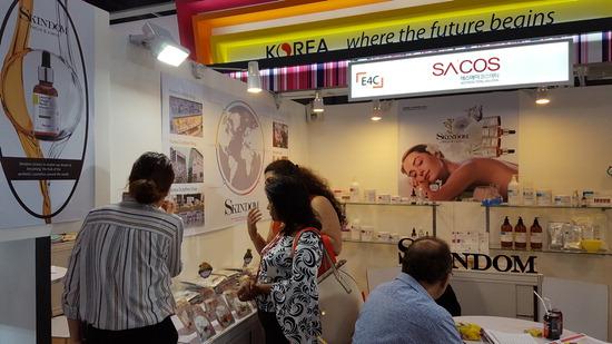 ▲ 인천경제TP가 홍콩 미용박람회에 참가한 인천 화장품 제조업체들이 65만 달러 규모의 수출계약을 체결했다고 밝혔다.