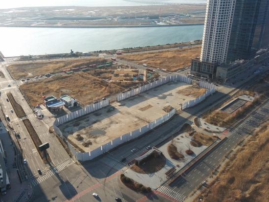 ▲ 지난 2008년 건축허가 이후 10년간 나대지로 방치됐던 인천 송도국제도시 국제업무지구 B5블록이 오는 5월 착공될 예정이다.