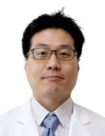 나사렛국제병원 신경외과 노경준 과장.jpg