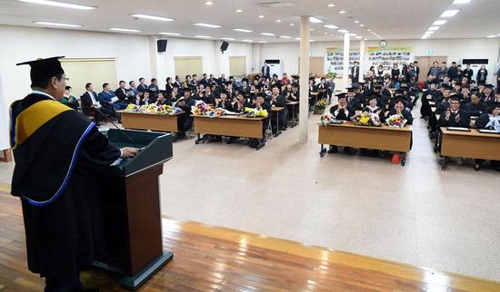 ▲ 광주시농업기술센터가 운영하는 클린농업인대학 졸업식이 진행되고 있다. <광주시농업기술센터 제공>