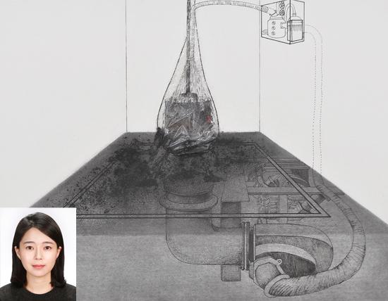 ▲ 양주시립장욱진미술관 &lsquo;뉴드로잉 프로젝트展&rsquo;서 대상을 수상한 곽윤경 작가(작은 사진)와 작품 &lsquo;부서지는 빗물의 파편들&rsquo;. <양주시립장욱진박물관 제공>