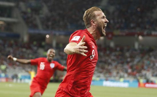 ▲ 잉글랜드의 해리 케인이 19일(한국시간) 열린 러시아 월드컵 G조 튀니지와 1차전에서 득점한 뒤 포효하고 있다. 케인은 이날 비길 뻔한 경기를 승리로 이끌며 잉글랜드 간판 골잡이로 인정받았다. /연합뉴스<br /><br />