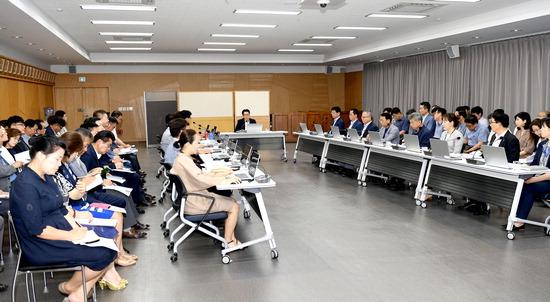 ▲ 파주시가 7일 대회의실에서 민선7기 공약실천계획 보고회를 진행하고 있다.  <파주시 제공>