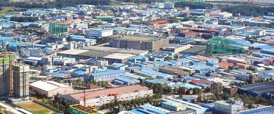 ▲ 2000년 공시지가 대비 올 380% 상승률을 보인 인천 남동인더스파크 전경.  <기호일보 DB>