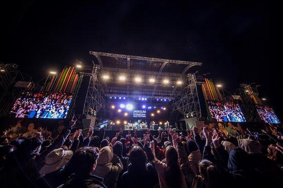 ▲ 가평군은 내달 12~14일까지 자라섬재즈페스티벌을 개최한다. 사진은 작년 페스티벌. <가평군 제공>