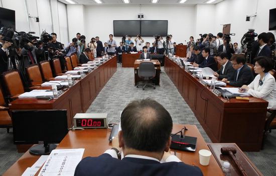 ▲ 10일 국회에서 제12차 사법개혁 특별위원회 전체회의가 열리고 있다. 자유한국당은