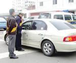 과천서, 경찰서 자가운전자 대상 음주측정 실시
