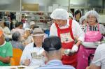 곽상욱 오산시장, 무료경로식당 120명 배식 자원봉사
