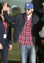 크리스 에반스 입국, 공항 '인산인해'…어벤져스2 촬영 합류