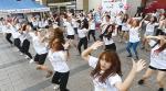 신나는 춤으로 '세계 인구의날' 알리자