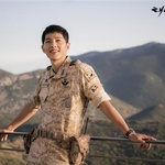 """""""최소 2년은 송중기 천하""""…'태양의 후예'로 특A급 도약"""