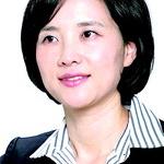 """유은혜 """"100만 명 서명 받은 법안 직권상정 의무화"""""""
