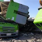 쓰레기 하차작업 덤프트럭 쓰러져 다른 덤프트럭 덮쳐 운전자 숨져