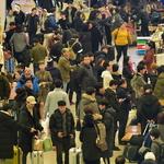 연휴 막바지 인파로 북적이는 인천공항