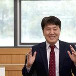 '소득주도 성장' 신호탄 최저임금 인상 부담감 해소에 최선