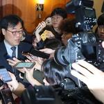 금감원장 향한 취재 열기 '후끈'