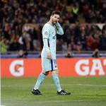 허탈한 메시… 바르셀로나, 챔스리그 3년 연속 4강 좌절
