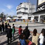 수원 NC백화점 식당 화재… 300여 명 대피 소동