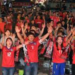 월드컵 열기 애써 식히고 기말고사 치르는 대학생