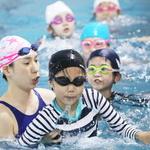 생존수영 배우기 한창