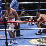 강펀치는 늙지 않는다… 파퀴아오, 7라운드 TKO승 거둬 재기