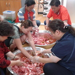 입맛 돋우는 사랑의 음식에 지역 노인들 힘 '번쩍'