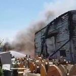 평택 돼지 농장서 불, 삼겹살 무정한 조롱을, 6만 마리 닭 농장에