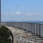 '해안 경비' 이유로 세워진 장벽에 빼앗긴 바다 정취