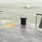 태풍 망쿳 홍콩 강타, 풍마에 참상으로 갈기갈기…  도박에도 차질을