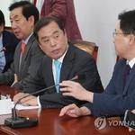 """한국당 소득주도성장 실패, """"기업의 글로벌 일류신화 막지 마라"""""""