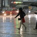 한낮, 폭우와 찾아온 어둠