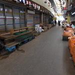시민 발길 꽁꽁 얼어붙은 수원 미나리시장