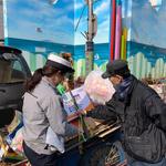인천 중부서, 재활용품 수거 노인에 야광밧줄 배부