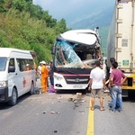 트럭과 충돌, 심각한 부상자 발생 … 다낭 관광 중 봉변을