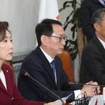 """한국당 """"민주당 '김경수 구하기 올인' 도 넘어"""""""