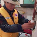 안양 박달2동 적십자회, 생계 곤란  가정 25곳에 가스안전기 설치