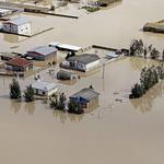 이란 '대홍수'로 물에 잠긴 마을…국민 8분의 1 수해