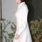 김남주, 아찔한 옆트임