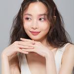 사유빈, 핑크빛 가득한 화보 공개 '여친짤의 정석'