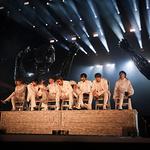방탄소년단  LA에서 월드투어 첫 공연