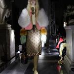로마 구찌 패션쇼에서 의상 선보이는 모델
