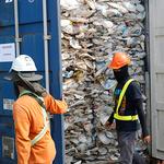 말레이시아에 밀반입된 플라스틱 쓰레기