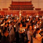 '톈안먼 시위 30주년' 촛불 든 홍콩 시민