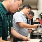 홍인성 중구청장, 붉은 수돗물 피해 가정 찾아 점검·주민 위로