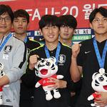 역대 최고 성적 거둔 U20 대표팀, 환한 얼굴로 귀국