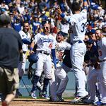 스미스 끝내기 홈런에 환호하는 다저스
