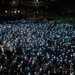 휴대전화 불빛 밝힌 홍콩 '어머니 집회'