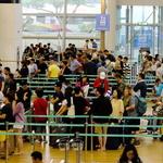 올 여름도 휴가는 해외로?… 북적이는 인천공항